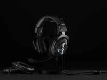 Logitech G PRO Gaming Headset Black + Headset Stand